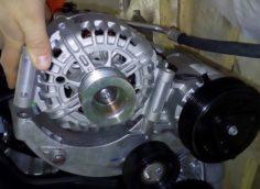 Самостоятельная замена натяжного ролика ремня генератора Лада Веста