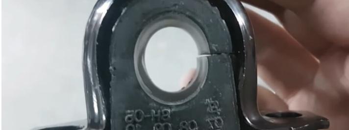Замена передних втулок стабилизатора на Лада Веста